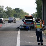 Szemtanúkat keres a rendőrség az M7-esen történt halálos motorbalesethez