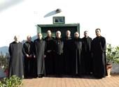 Bencés szerzetesek rockzenei válogatással várják a karácsonyt