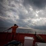 Melegeket és házasságtörőket korbácsolnak Indonéziában
