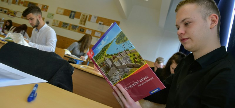 """""""Legkevésbé a diákok számítanak"""" - miért volt zűrzavar a történelmi atlaszok miatt az érettségin?"""