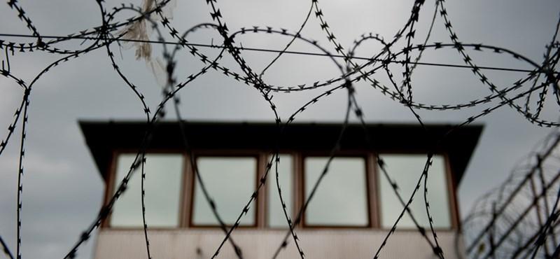 Mint az akciófilmekben: 100+ fogoly szökött meg egy börtönből Brazíliában