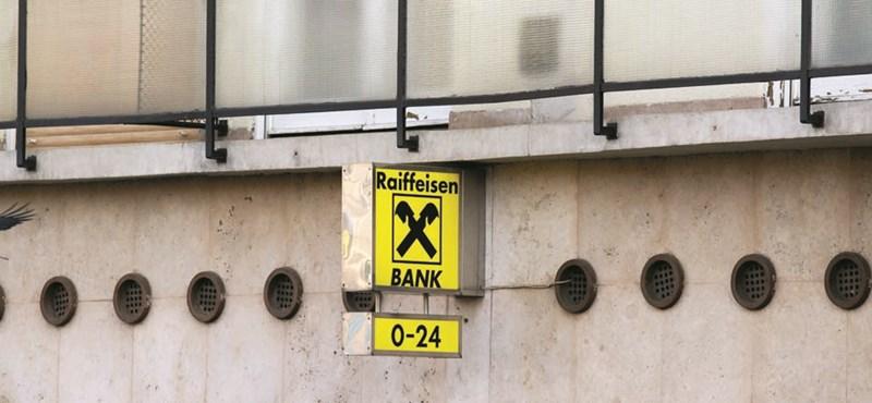 Szombatról vasárnapra virradóra nem tudnak majd bankkártyával fizetni a Raiffeisen ügyfelei